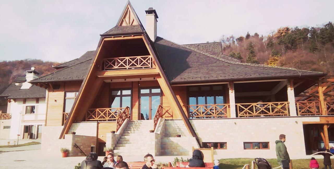 Etno naselje Vrdnička kula